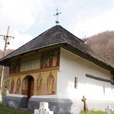 Biserica veche de la Cimitir